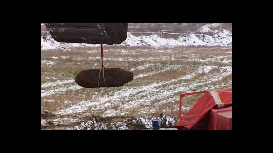 Video Letecká puma uzavřela okolí užské skládky