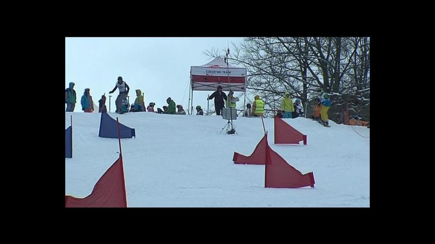 Video Olympiáda dětí a mládeže měla na programu snowboardový paralelní slalom