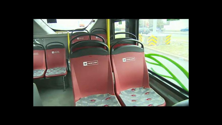 Video Elektrobusy v ulicích Prahy