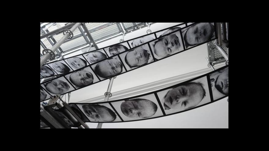 Video Boltanski vystavuje život a smrt