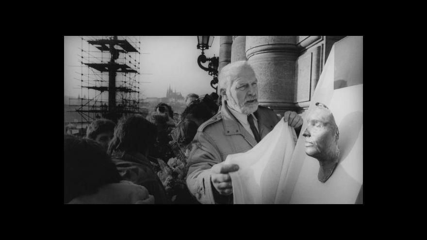 Video Olbram Zoubek: Málokdo umí snímat posmrtné masky