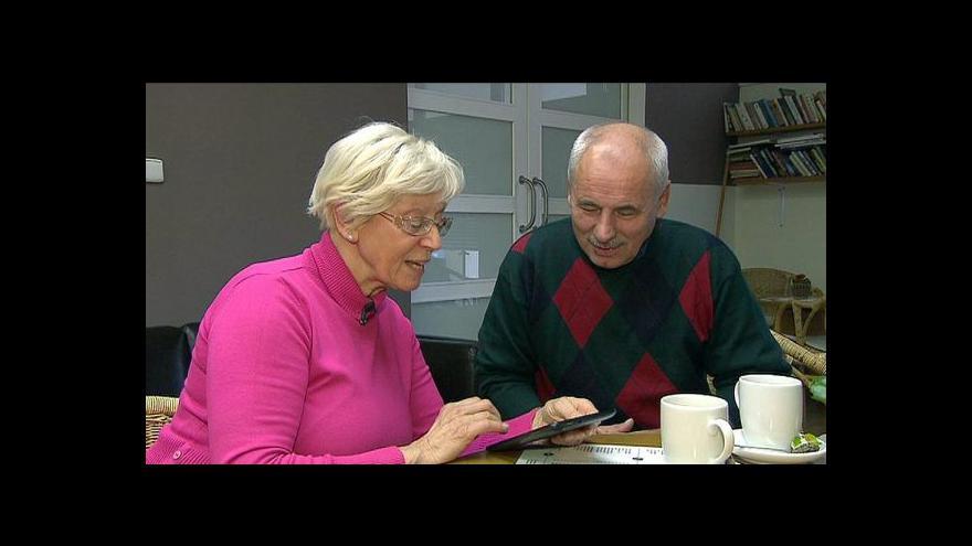Video Trh s chytrými telefony letos ovládnou senioři