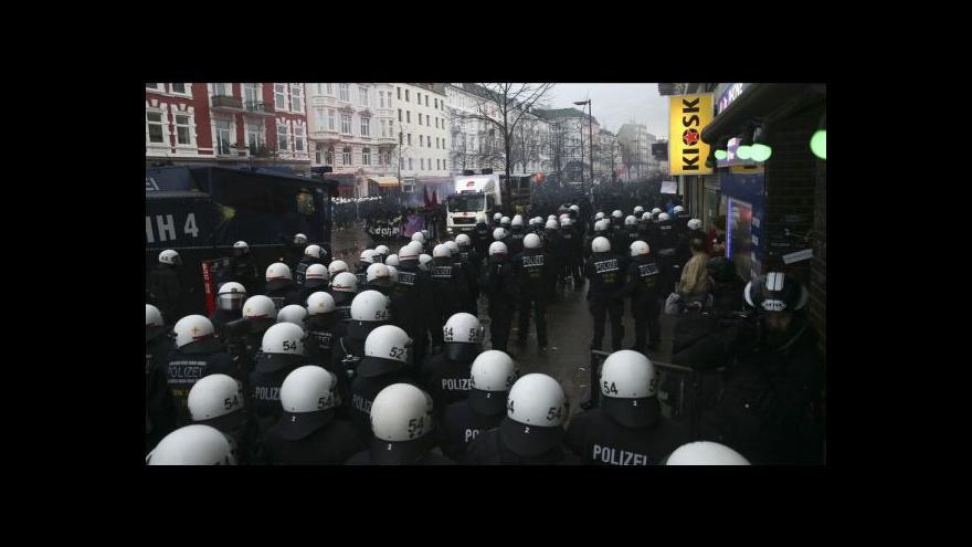Video Policie ukončila stav nebezpečí v Hamburku