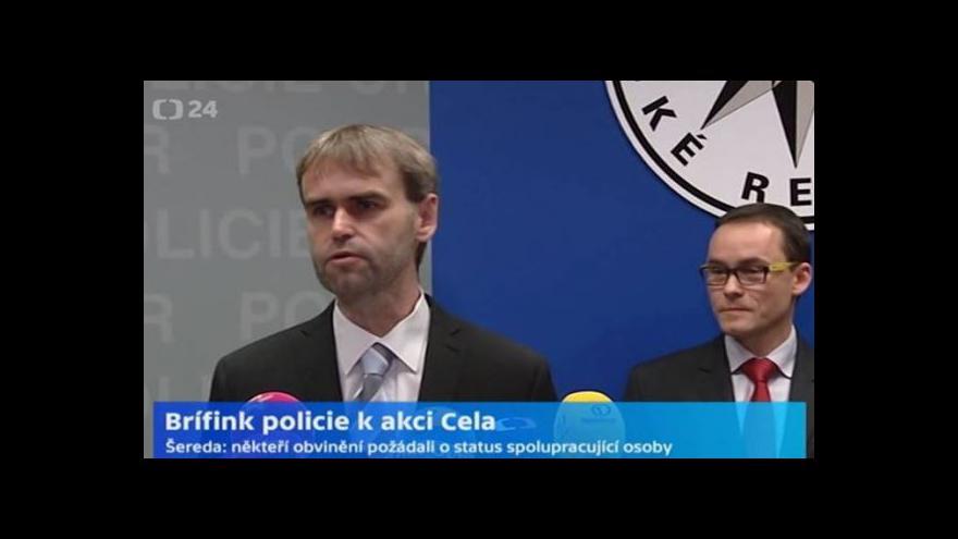 Video Brífink policie a státního zastupitelství k akci Cela