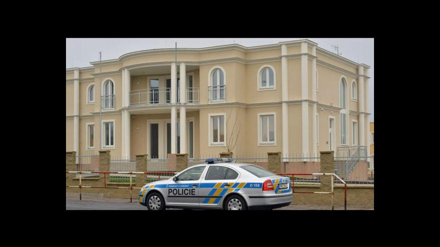 Video Hulan: Výbušninu z ambasády teď zkoumá znalec
