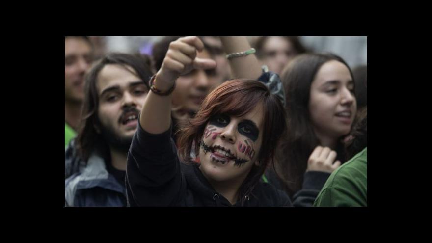 Video 11 lidí zraněno při protestech v Madridu