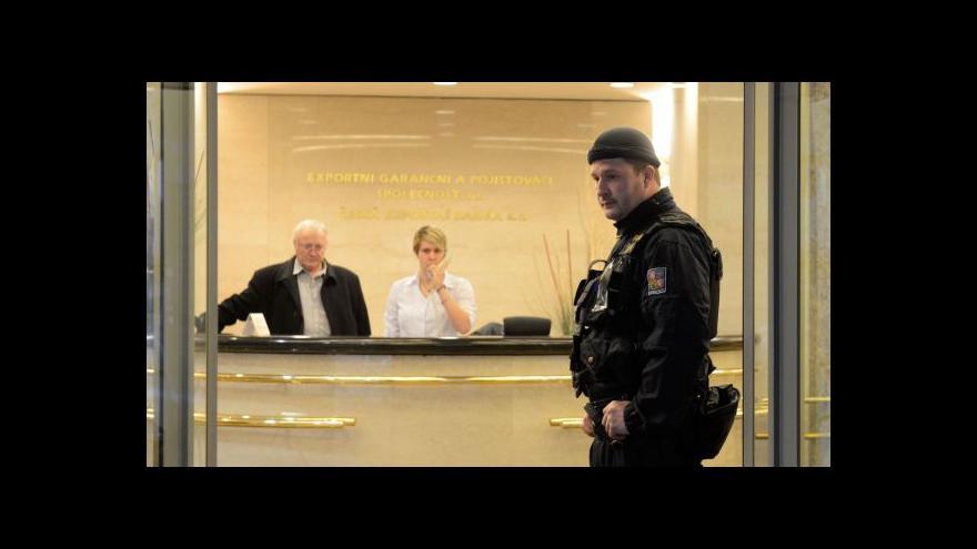 Video Zátah v EGAP a ČEB: Policisty zajímá 16 investičních projektů