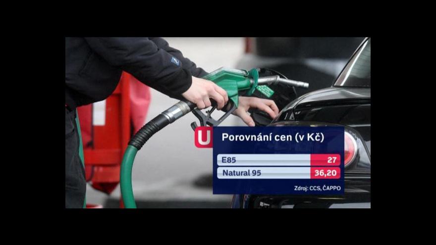 Video Češi kupují méně benzinu, šetří a přestavují motory