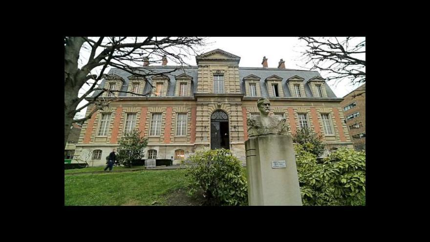 Video Petr Zavadil k případu úmrtí tří novorozenců ve Francii