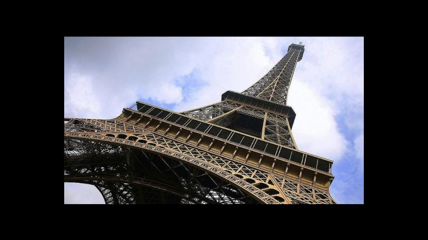 Video Francouzská vláda ztratila s kontroverzním komikem trpělivost