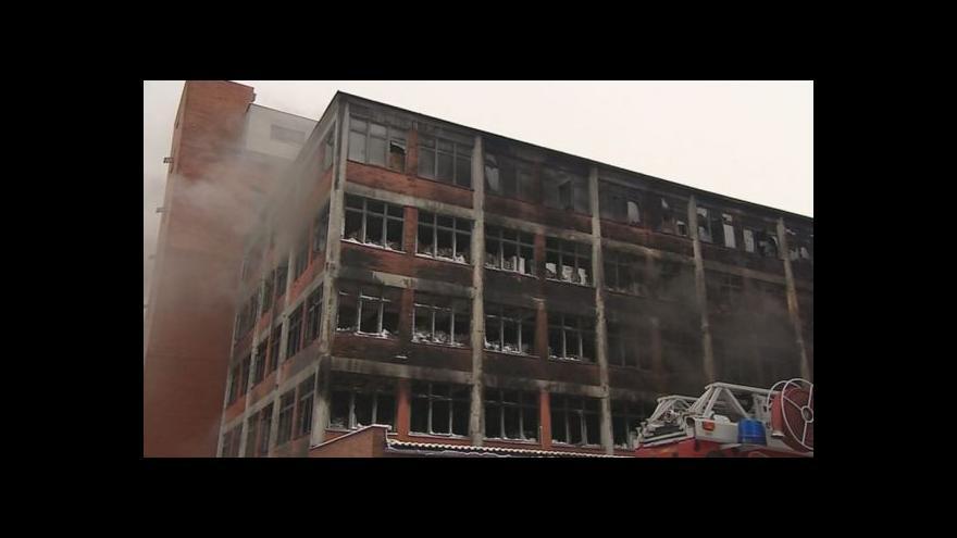 Video NO COMMENT: 103. budova den po rozsáhlém požáru