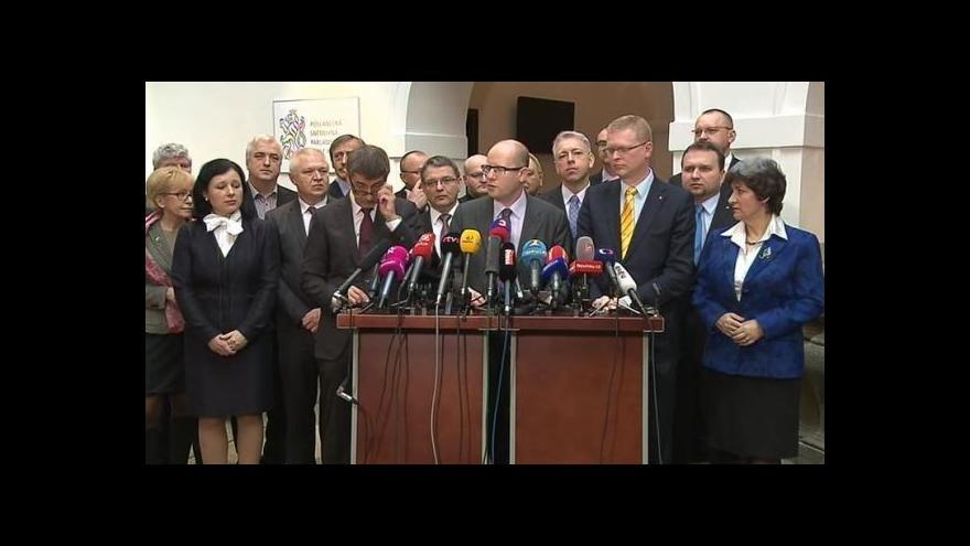 Video Brífink ČSSD, ANO a KDU-ČSL po podpisu koaliční smlouvy