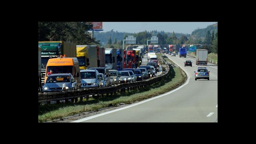 Video Vylepování dálničních známek odzvoní