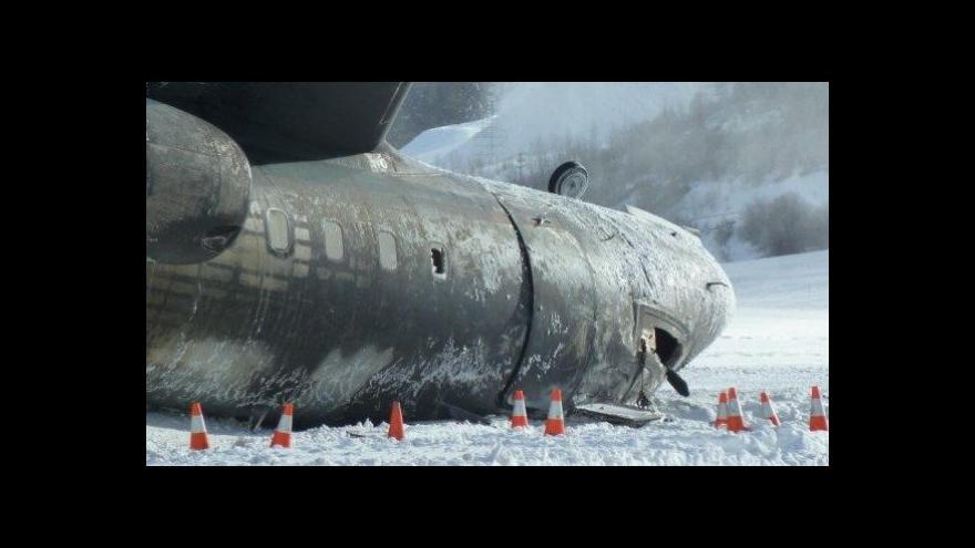 Video Při přistání v Aspenu havaroval soukromý letoun