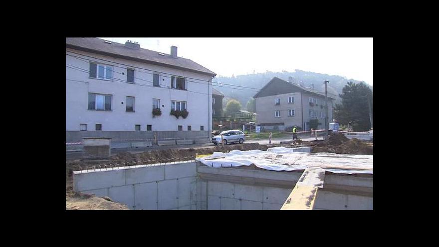 Video Objízdná trasa jim zničila dům, odškodnění se ale dočkat nemůžou