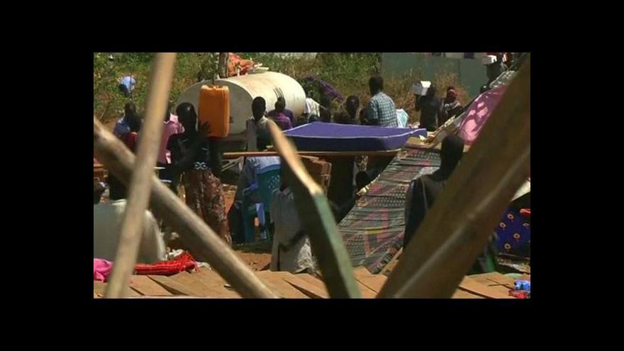 Video Na pozadí mírových jednání pokračují boje