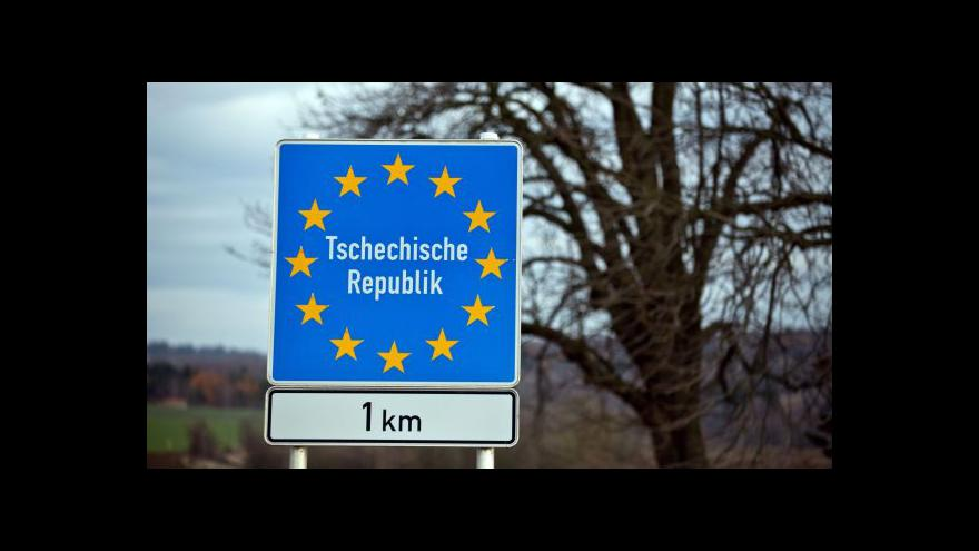 Video Zpřísněné kontroly na bavorských hranicích začaly nejen na silnicích, ale i na železnici