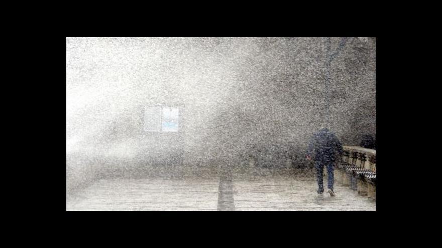 Video Počasí trápí západní Evropu