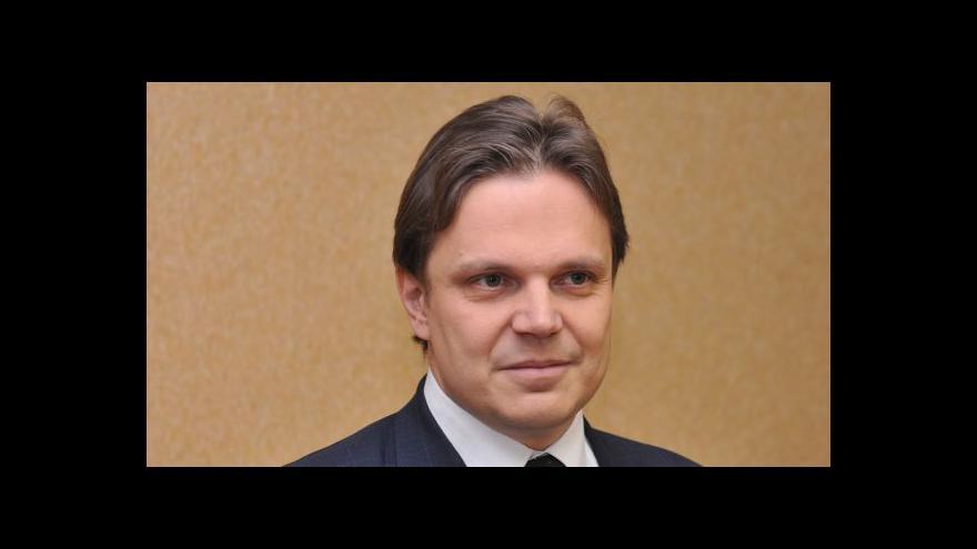 Video Ekonom Pavel Kohout: Singer si ocenění nezaslouží