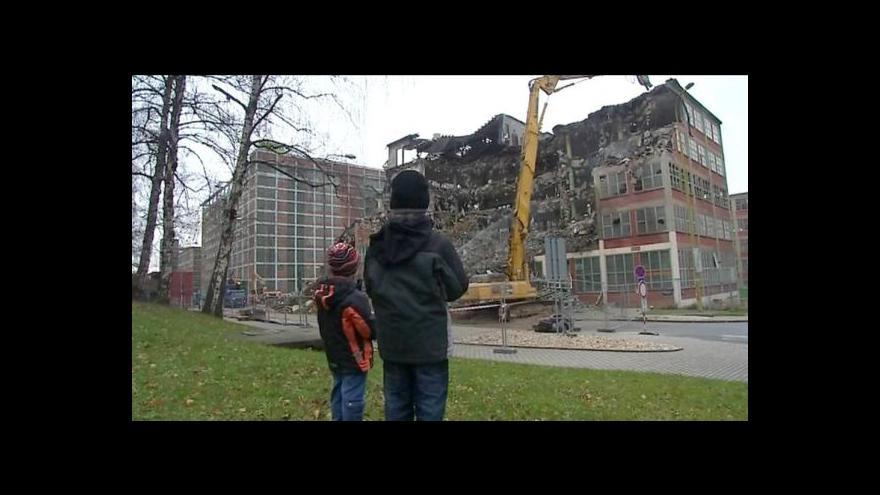 Video Další kousek baťovského Zlína mizí, nahradí ho obchody a kanceláře