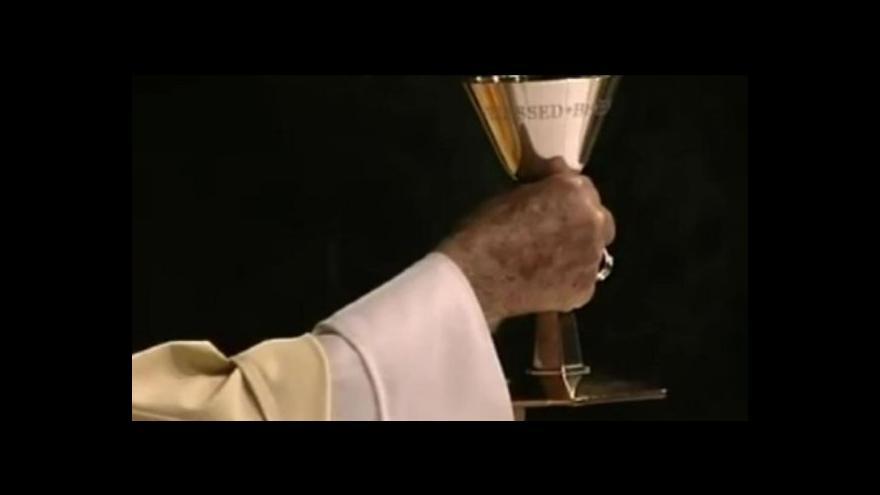 Video Kněz odsouzený za údajné krytí zneužívání dětí v kostelech půjde na svobodu