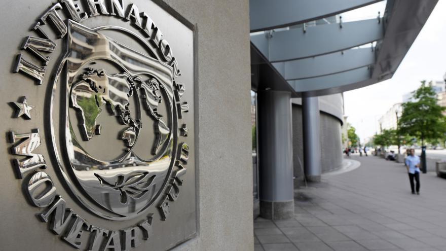 Video Matesová: Pro Evropu je riskantní poskytnout Řecku pomoc bez MMF