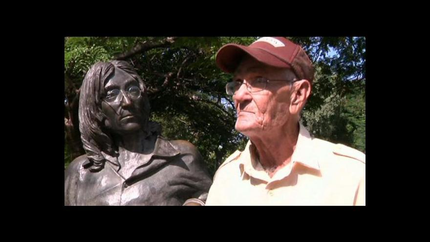 Video Lennonova socha a její bodyguard