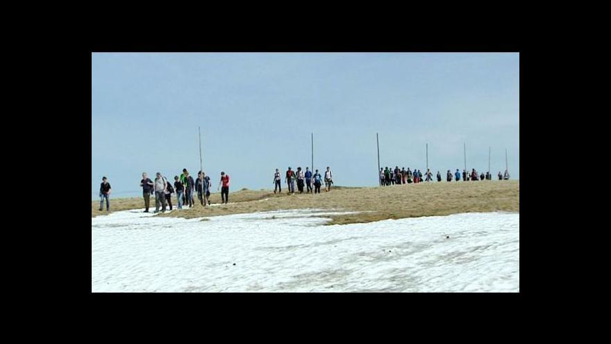 Video Počasí zatím lyžařům příliš nepřeje