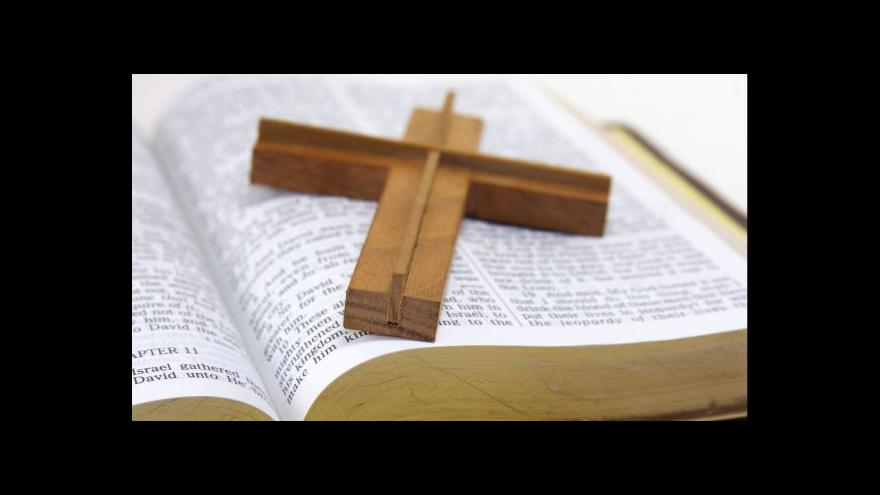 Video Události: Církvím přichází první peníze