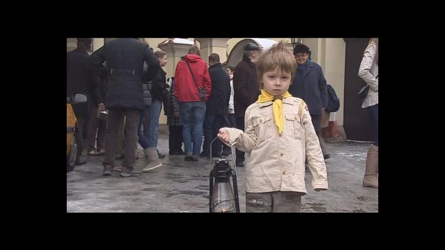 Video Skauti přivezli do Prahy Betlémské světlo