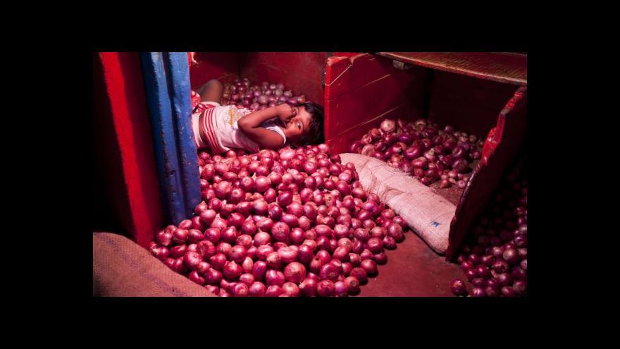 Video Reportáž Jakuba Nettla o rostoucích cenách cibule v Indii