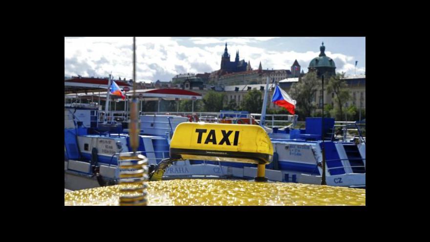 Video Mluvčí ČOI D. Gajdoš a majitel AAA Radiotaxi J. Kvasnička v Událostech, komentářích