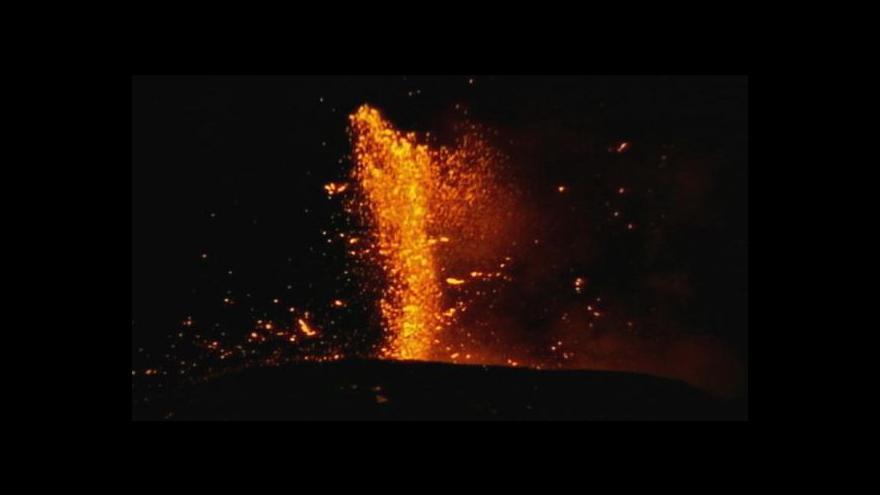 Video Erupce Etny komplikují dopravu