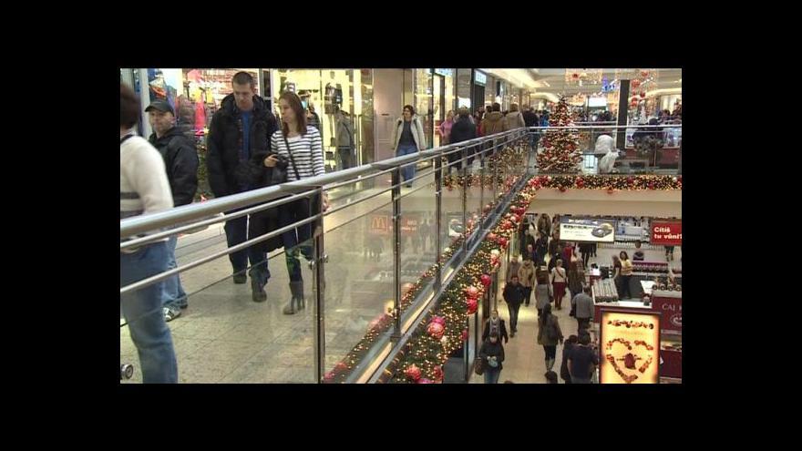 Video Stříbrná neděle přinesla nákupní špičku roku