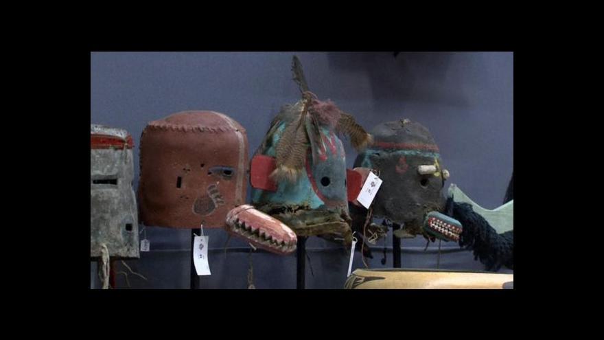 Video Masky kmene Hopi prodány v aukci