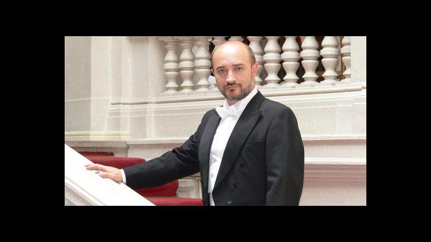 Video Vladimír Chmelo vystoupí v Praze
