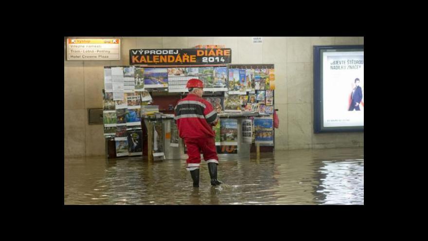 Video Zaplavené metro v Událostech