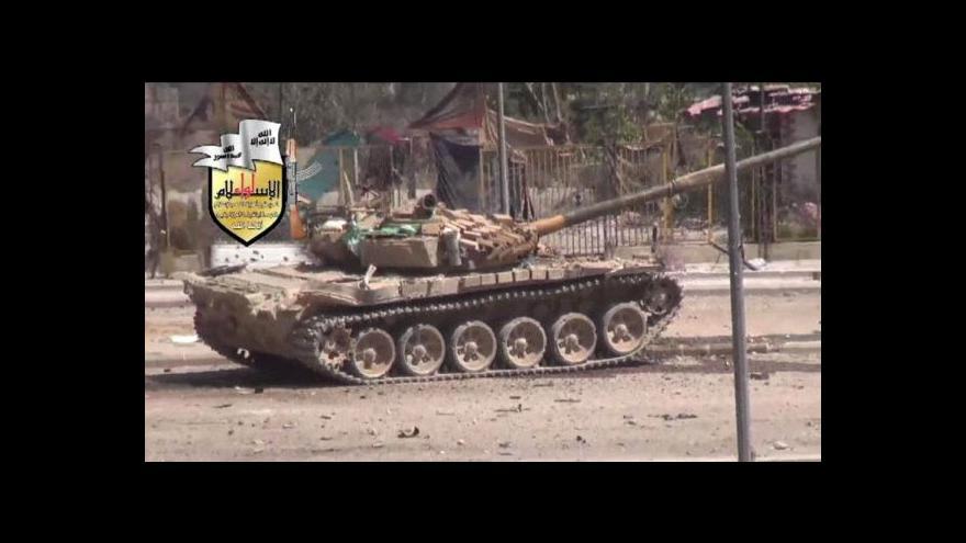 Video USA a Británie pozastavily pomoc severu Sýrie