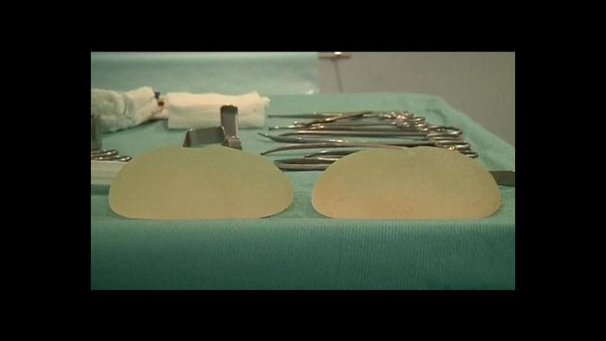 Video Čtyřletý trest za vadné prsní implantáty