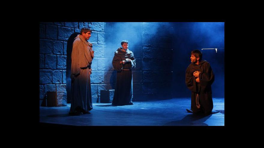 Video Východočeské divadlo uvádí Jméno růže