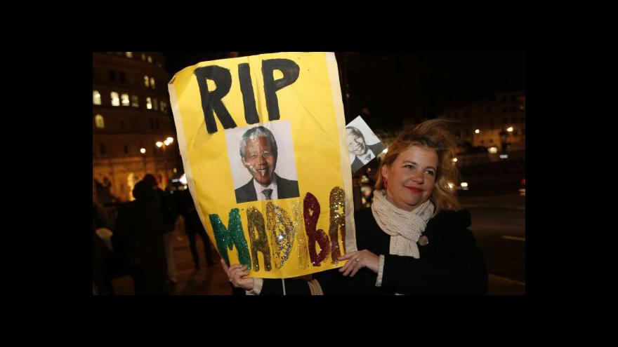 Video Zemřel Nelson Mandela, symbol boje proti apartheidu