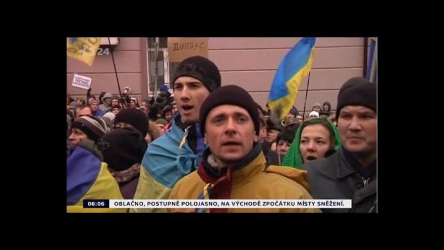 Video Ukrajinou stále zmítají demonstrace, začíná summit OBSE