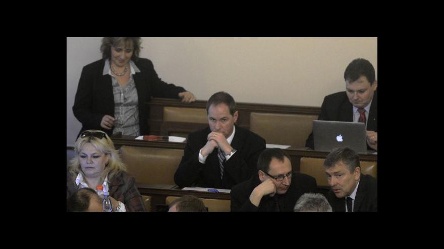 Video Reakce M. Kalouska, J. Faltýnka, T. Okamury a P. Gazdíka  na dění ve sněmovně
