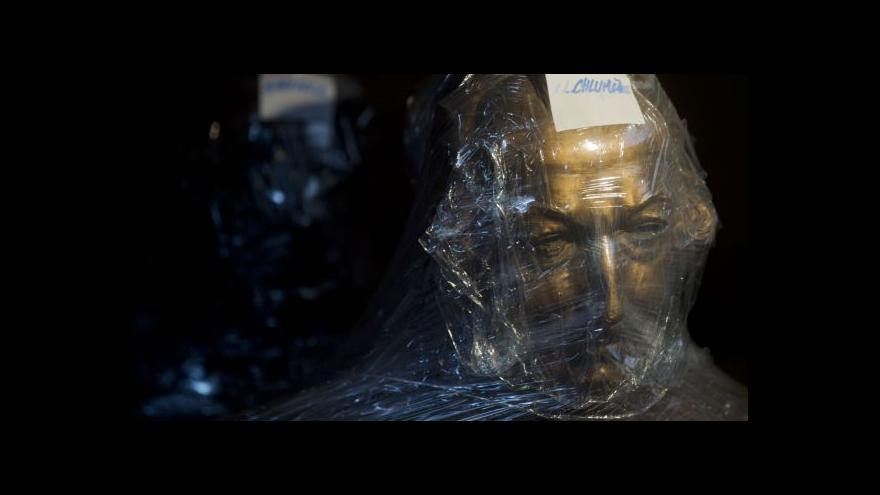 Video Národní muzeum stěhuje sochy