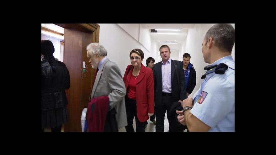 Video Částí peněz z Buštěhradu chtěla Salačová přispět ČSSD