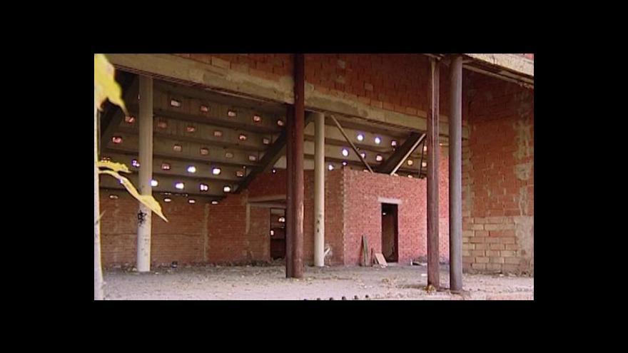 Video Erik Knajfl o demolici pardubické sportovní haly