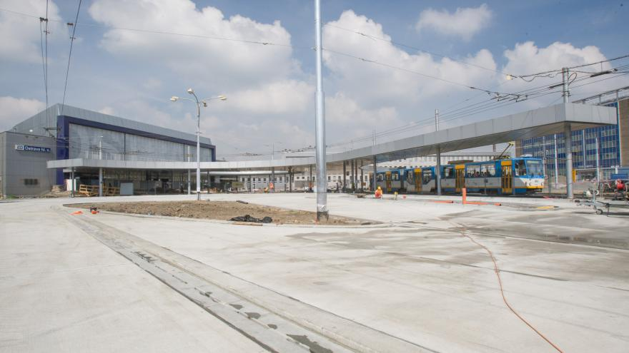 Video Opravy nádražních budov i tratí