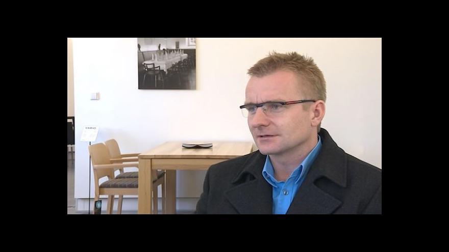 Video O ztrátě známky Thonet hovoří ředitel Milan Dostalík