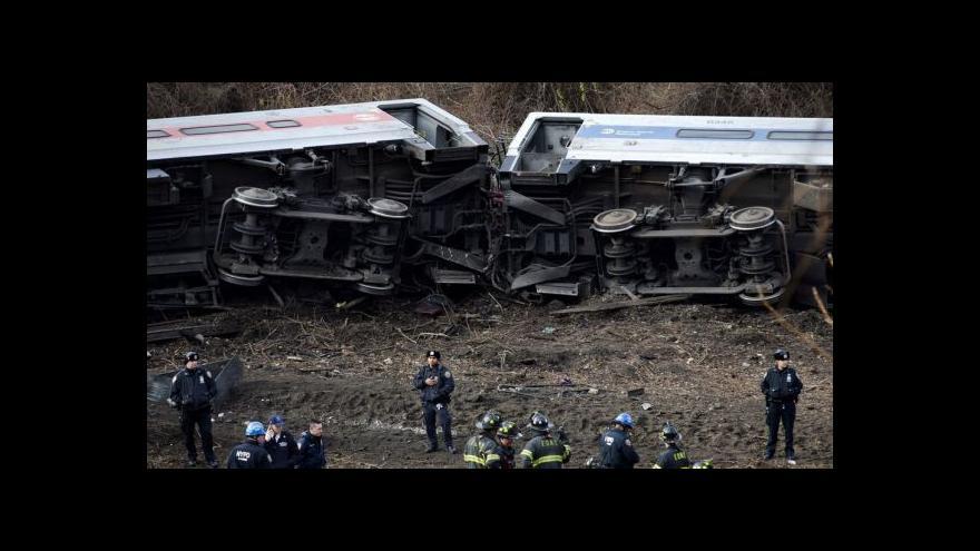 Video V New Yorku vykolejil vlak mířící na Manhattan