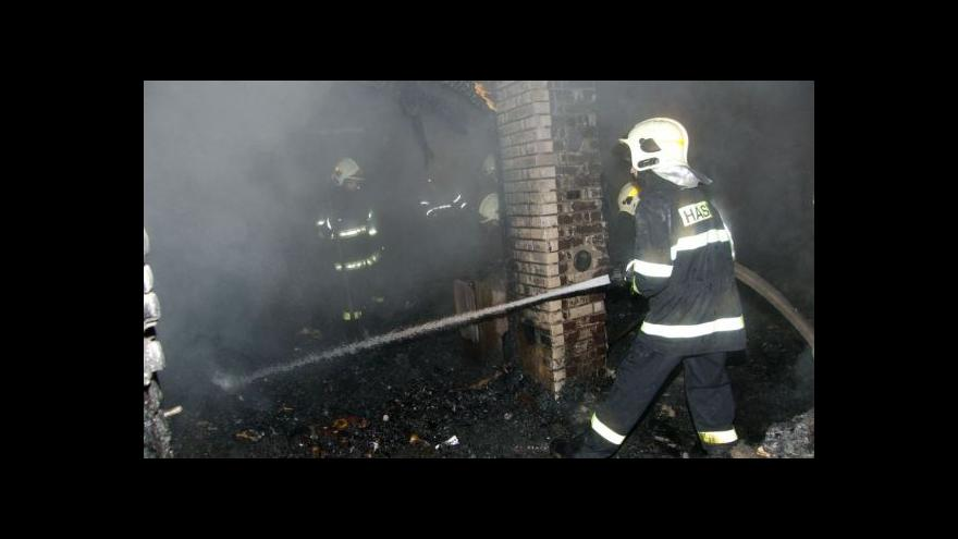 Video NO COMMENT: Požár chaty v Moravanech